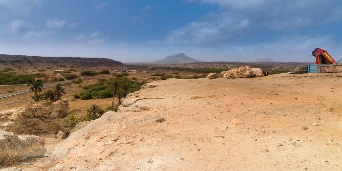 Bild von der kargen/steinigen Landschaft von Kapverden