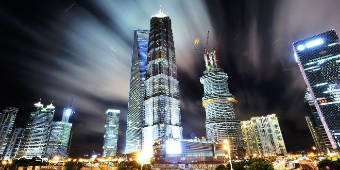 Die Skyline Pudong bei Nacht